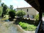 Ancien Moulin à eau avec droit d'eau et hôtel bureau au calme.