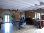 Proche tous services, moulin restauré, idéal activité chambres d'hôtes.