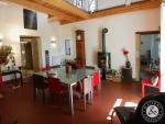 Entierement rénové, Presbytère XIIème, 7 chambres, parc clos, piscine,vue