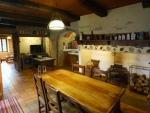 En hameau, maison quercynoise et ses granges four à pain à vendre