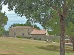 Belle demeure avec piscine en position dominante dans le Lot et Garonne