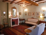 Black Perigord, beautiful renovated historic residence in a medieval town.