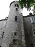 Château dans un petit village, possibilité de louer des chambres d'hôtes
