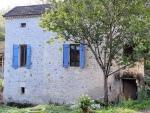 Moulin de meunier avec une maison de gardien , dépendances et sa piscine