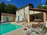 Vallée du Lot, jolie maison de campagne en parfait état avec piscine