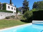 Belle maison bourgeoise avec tour et dépendances dans le Quercy blanc