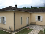 In a village near Cahors, winegrower's house with garden