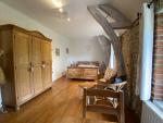 En hameau, maison de caractère aménagée en chambres d'hôtes