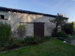 Charmante maison en pierre avec vue dégagée près d'un village médiéval