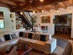Proche des gorges de l'Aveyron grande propriété de caractère à vendre