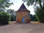 En Bouriane, demeure de caractère et vestiges d'un prieuré du XVIème