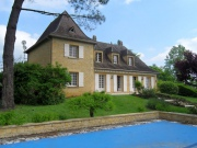 Beautiful typical Perigourd style house of 213m², close to Sarlat