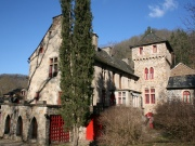 Medieval Manor on 49 Ha of land, rivers, in the Aveyron