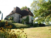 At the borders of both the Lot and the Dordogne, Manor