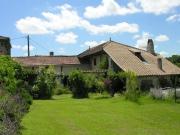 P�rigord Pourpre, deux maisons en pierre ind�pendantes