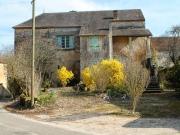 Ensemble immobilier en pierre avec maison, granges, fournil en Bouriane.