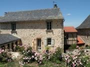 Ensemble immobilier de caractère surplombant les gorges de l'Aveyron.
