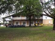 Maison de campagne dans le Sud-Ouest avec gîte et piscine