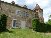 En Quercy Blanc, Château médiéval à vendre