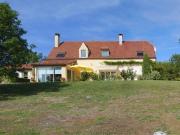 Plein sud, belle maison contemporaine en position dominante avec vue