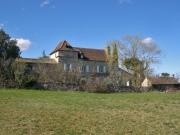 Maison de Maître et grange, sur le chemin de St Jacques Compostelle.