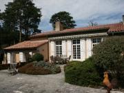 Villa de plain-pied avec vue sur les Montagnes Noires, proche Castres.