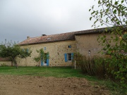 Ancienne ferme du Périgord, dépendances, environnement préservé.