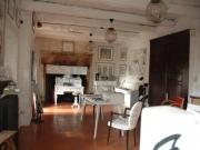 Dans un village pittoresque du Lot, habitation et espace boutique atelier