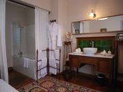 En village, belle demeure 5 chambres , entre Lascaux, Les Eyzies et Sarlat.