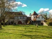 Entre Lot et Aveyron, ensemble de 2 maisons en pierre à vendre avec piscine