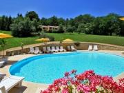 Vallée de la Dordogne, propriété avec gites proche des services