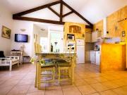 Village de gîtes sur 22 ha au coeur de la garrigue provençale