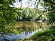 Vallée du Lot, joli manoir avec dépendances, piscine, accès à rivière.