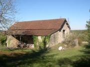 Propriété isolée, 2 habitations, grand terrain près d'un lac, Lot