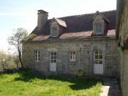 Dans le Parc Naturel, belle propriété typique en pierre restaurée, Lot