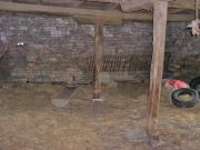 Grange et pigeonnier à aménager  sur grand terrain constructible, Lot