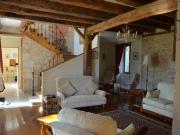 En Périgord noir, maison de Maître rénovée, en coeur de village.