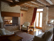 In Perigord, renovated mansion at the heart of a village