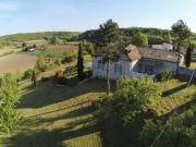 Charmant corps de ferme Quercynois entièrement restauré avec 15 ha avec vue