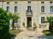 Chateau, hotel-restaurant 3 stars for sale in Tarn and Garonne