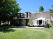 Near Duras, spacious and comfortable residence, independent accommodation