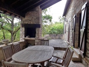Maison en pierre à vendre, parc boisé, calme, village tout commerce