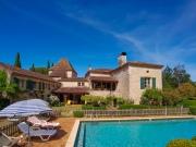 Belle demeure familiale, 7 chambres, piscine, à deux pas des commerces.