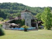 Belle maison de campagne avec piscine, puits, garage,au calme.