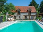 Lot, en hameau maison de campagne et grange à vocation de gite, piscine