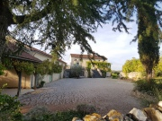 Old restored farmhouse with panoramic view, swimming pool and 16ha