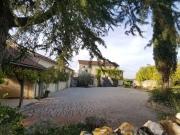 Ancienne ferme restaurée avec vue panoramique , piscine,  16 hectares.