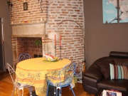 In Cahors, Southwest of France, 3 room apartment, very bright with terrace.
