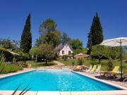 Maison moderne, 5 chambres d'hôtes, proche commerces, au calme avec piscine