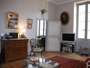 Character apartment in the heart of Cahors, two bedrooms, nice views.